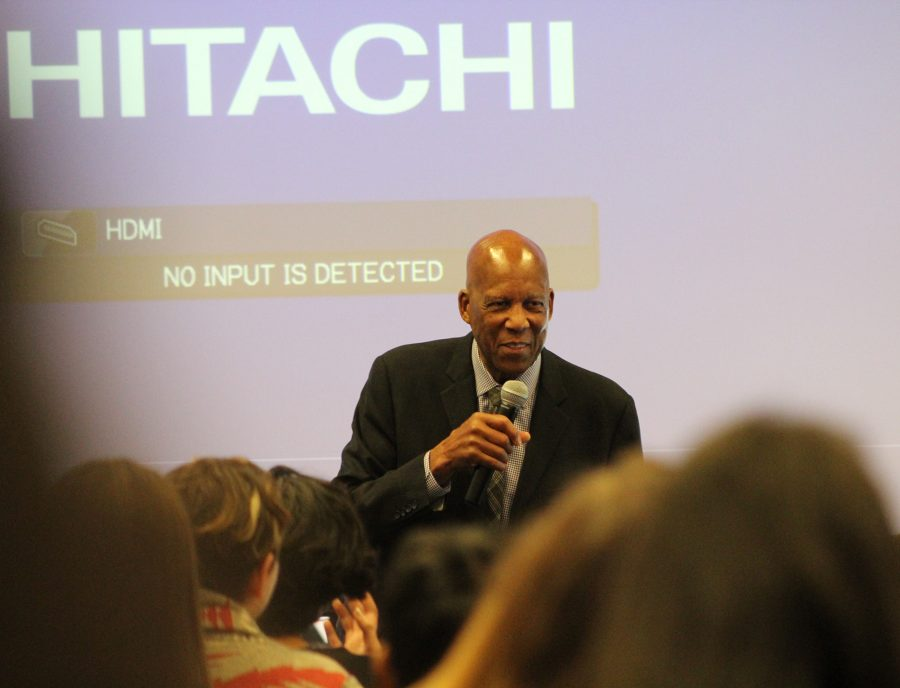 Dr.+Terrence+Roberts+speaks+to+district+students.%0A